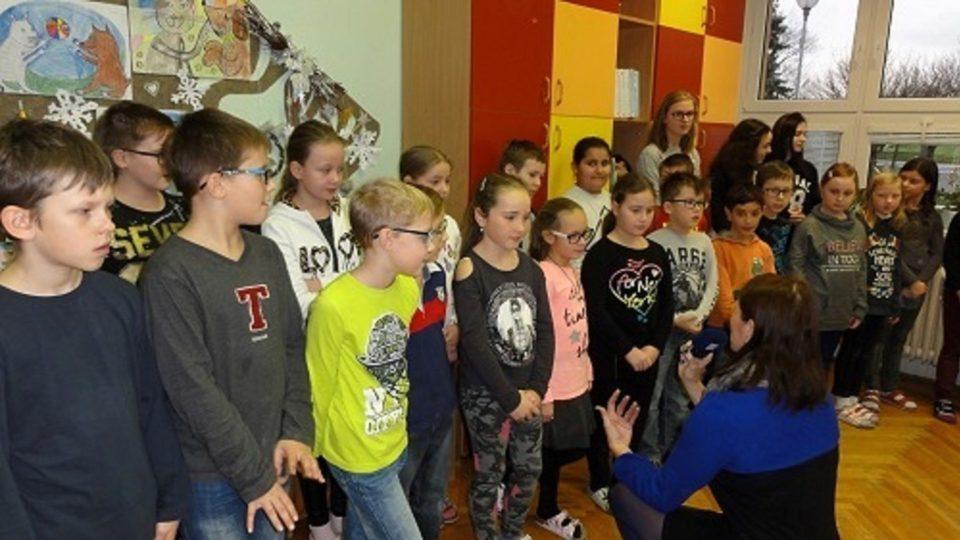 Děti z Prakšic zpívají v projektu Moravské děti