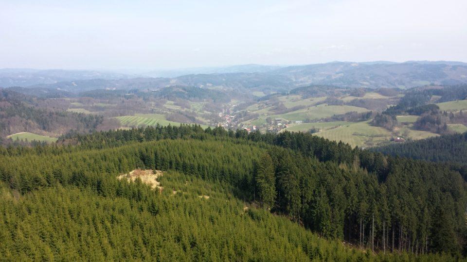 Díky obci Seninka vznikla nádherná rozhledna z výšky 35 metrů máte Seninku jako na dlani