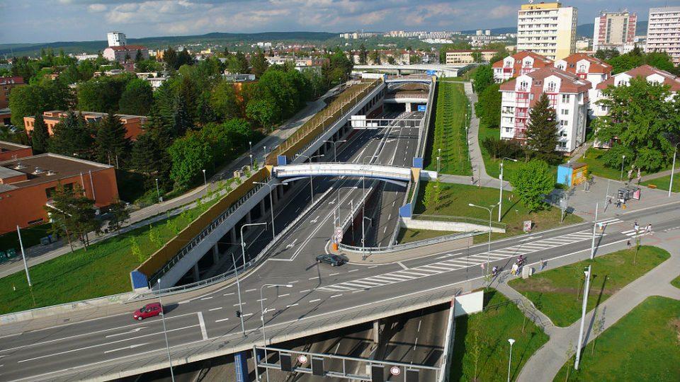 Královopolský tunel se otevřel v roce 2012, po pěti letech zatím kvůli hluku není zkolaudovaný