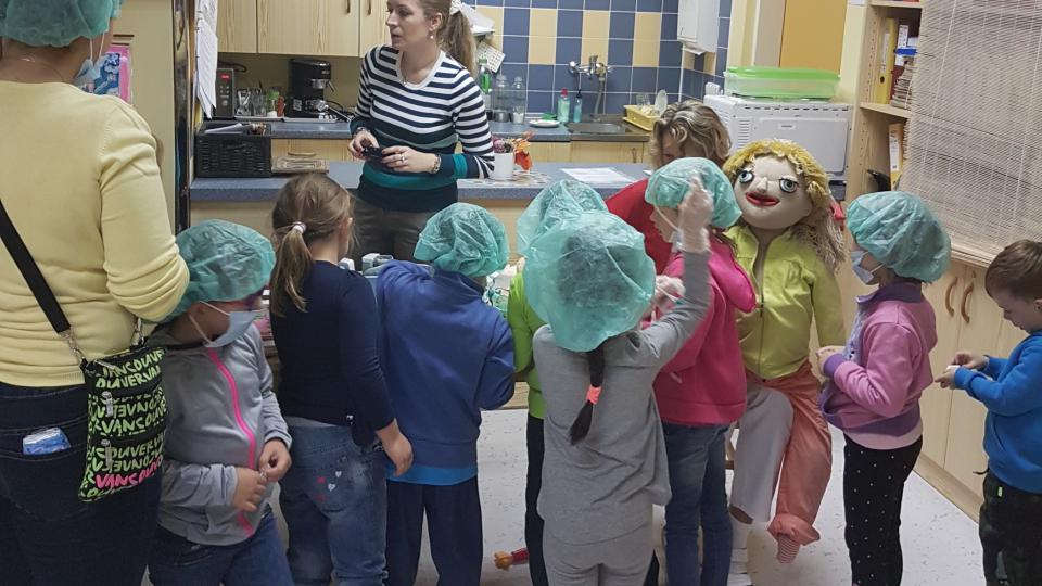 Děti na návštěvě Dětské nemocnice.