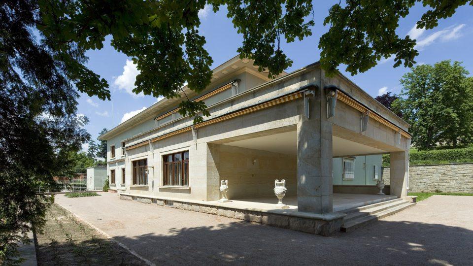 Vilu Stiassni projektoval architekt Ernst Wiesner