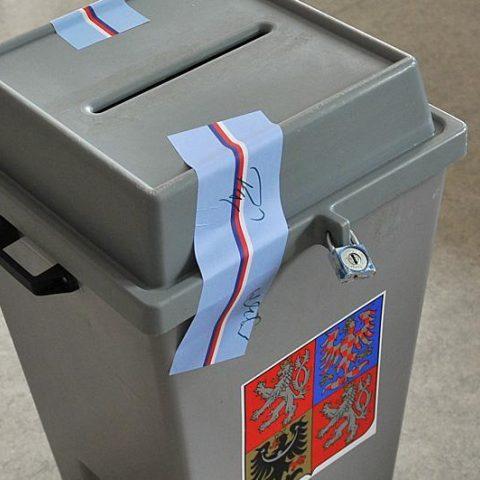 Volební urna (ilustrační obrázek)