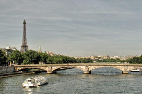 Paříž – Most invalidů a Eiffelova věž