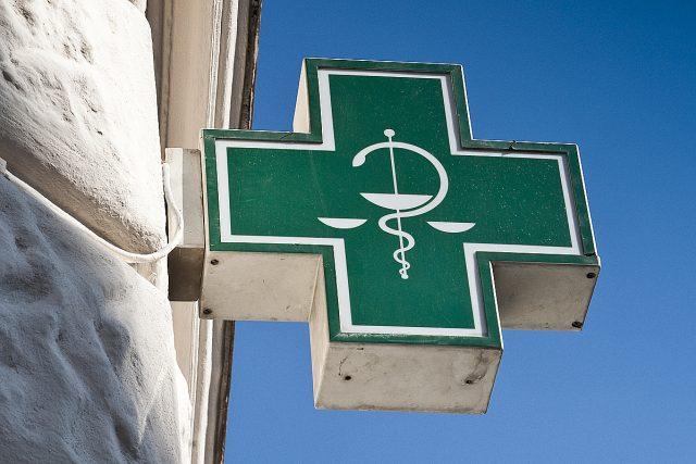 Lékarna, chřipka, nemoc (ilustrační foto)