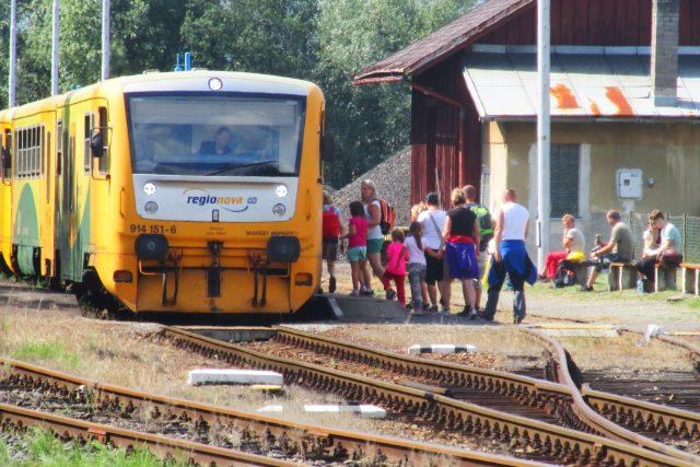 Cestující vlakem  (ilustr. foto)   foto: Jaroslava Mannová