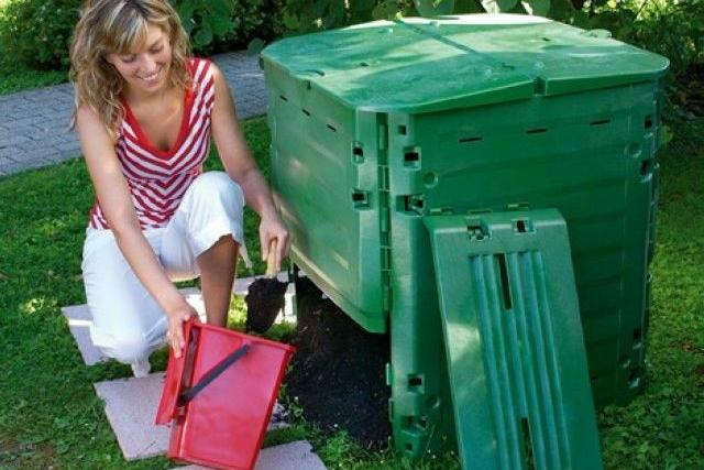 Radnice rozdá lidem kompostéry