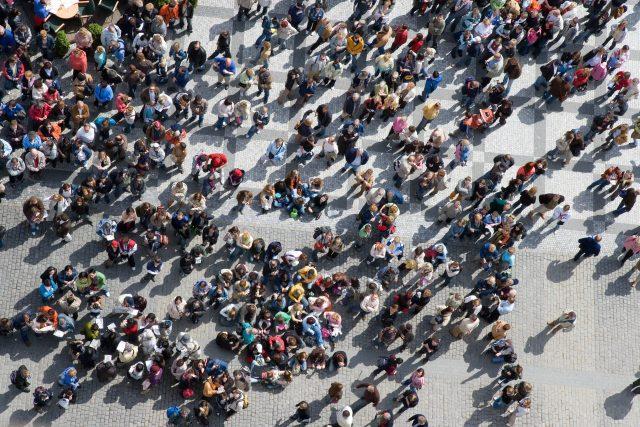 Dav,  lidé,  Staroměstské náměstí   foto: Fotobanka Profimedia