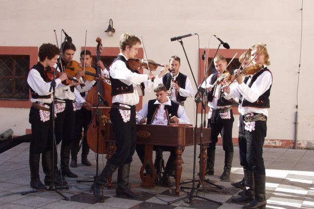 Cimbálová muzika Harafica na Slavnostostech vína v roce 2006