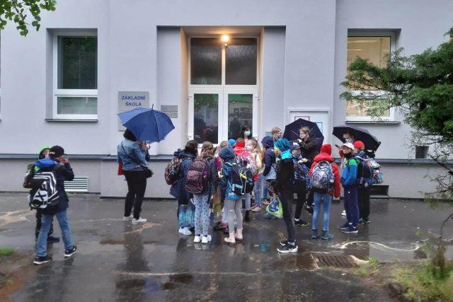 Do základní školy v Liberci-Ruprechticích se vracejí děti