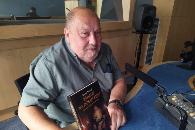 Arnošt Vašíček ve studiu Českého rozhlasu Brno | foto: Jarka Vykoupilová,  Český rozhlas