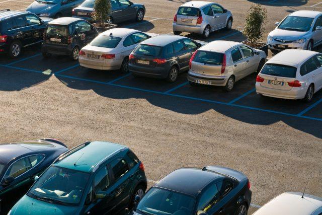 Parkování, parkoviště (ilustrační foto)