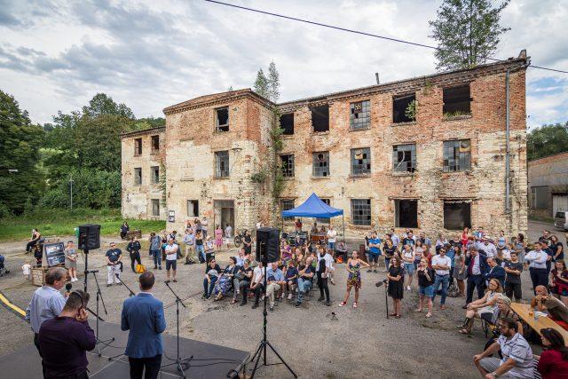 Exkurze do bývalého továrního areálu v Brněnci v rámci festivalu Meeting Brno | foto: Jakub Šnajdr,  Meeting Brno