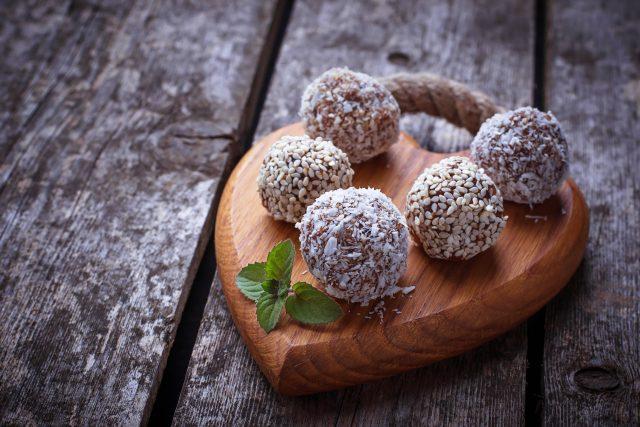 Kulička karobové, kakaové, cukroví, Vánoce, dezert. Ilustrační foto