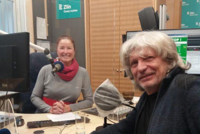 Jiří Pavlica a Andrea Kratinová ve studiu Českého rozhlasu Zlín