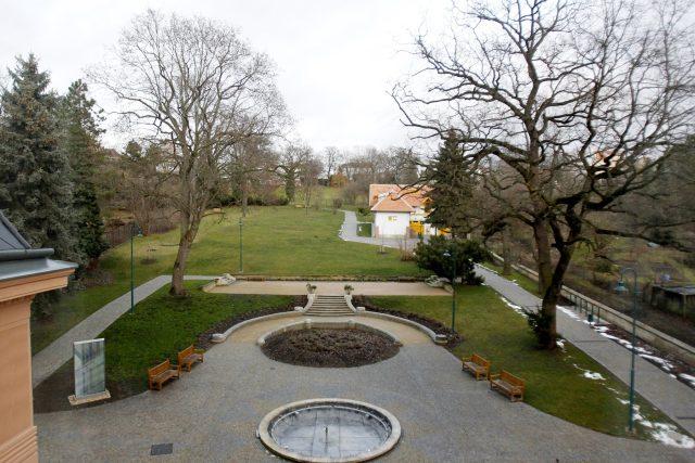 Zahrada vily Löw-beer sousedí se zahradou vily Tugendhat