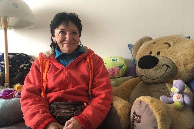 Ivana Pospíšilová strávila dvacet let na ulici. Teď se nastěhovala do nového bydlení a je šťastná