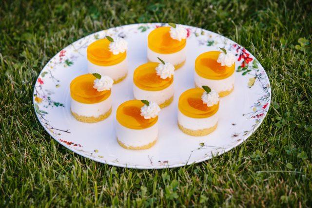 Bombastické mandarinkové řezy se smetanovým krémem a piškotem od Zuzany Königové z Ohrazenic