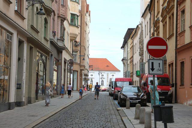 Cykloobousměrku v Radnické ulici zrušilo město koncem roku 2019