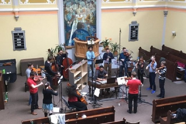 Muzička nahrává ve vinohradském evangelickém kostele CD Zpověď | foto: Zuzana Palasová