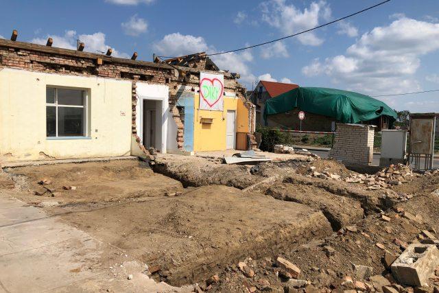 V jihomoravských obcích postižených červnovým tornádem se objevili spekulanti s pozemky   foto: Jakub Troníček,  Český rozhlas