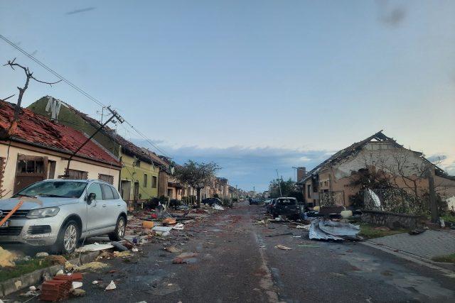 Pohled na Moravskou Novou Ves na Břeclavsku po bouři v pátek ráno   foto: Alena Hesová,  Český rozhlas